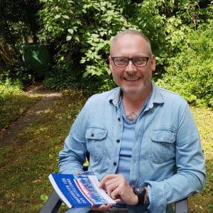 Thomas Issler mit dem neuen Buch